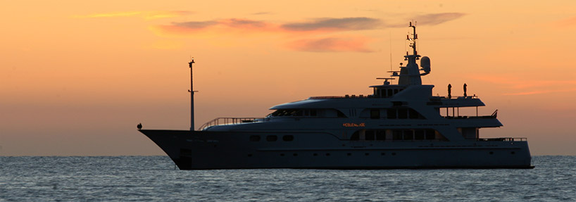 "<h1 itemprop=""headline"">Kitting Out Superyachts with Fishing Tackle & Gear</h1>"